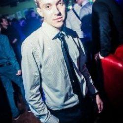 Молодой и неопытный парень ищет девушку в Иванове для интим встреч